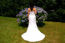 Demetrios wedding dress. White Size 8 with a beautiful Mermaid/Trumpet tail