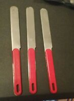 OXFORD HALL STAINLESS STEEL FLATWARE SET OF 3 DINNER KNIVES RED PLASTIC HANDLE