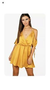 Boohoo Playsuit 14 Petite Off The Shoulder Playsuit Gold Satin New