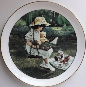 Wedgwood 'FRIENDS FOR TEA' PLATE, Retro, vintage, shabby chic
