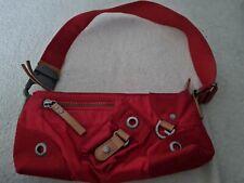 Schöne kleine GUESS Handtasche rot