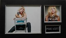 PIXIE LOTT Signed 19x11 Photo Display MAMA DO & CRY ME OUT COA