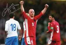 John Hartson, Wales, Celtic, West Ham, Arsenal, signed 12x8 photo. COA. Proof.