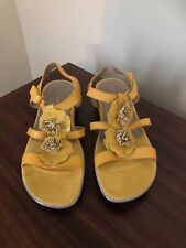 Easy Spirit Leather Hoppy Strappy Wedge Sandals Yellow Mustard Womens Size 9.5 W