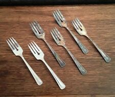 6 Salad Forks - Thelma - Beautiful Art Deco Pattern by Glastonbury / Oneida