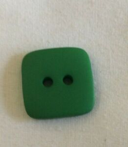 """BEAUTIFUL BUTTONS - GREEN SQUARE-- 2 HOLE--5/8""""-- 15 IN A SET"""