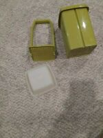 Vintage Tupperware Pickle Keeper 1332-2 Clear Lid Green Bottom complete 3 piece