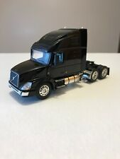 1/64 DCP VOLVO Semi Truck Largecar Owners Edition Black Big Rig
