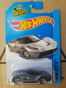 Hot Wheels - Ferrari La Ferrari [SILVER] VHTF CAR NEAR MINT, CARD GOOD