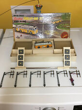 LIGHTLY USED SOUTH STREET HO TROLLEY BUS SET ...JUST ADD POWER! BOXED & WORKING!