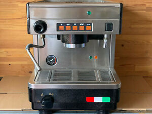 Siebträger Kaffeemaschine La Cimbali Bistro 1Gruppe Voll Reviosn