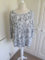 BNWT MARKS & SPENCER GREY & WHITE FLORAL STRETCHY T SHIRT TOP SIZE 24 RRP 19.50