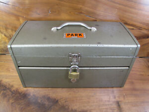 VINTAGE PARK MODEL 84446 MECHANICS TOOL BOX WITH TRAY. VERY GOOD CONDITION. USA.