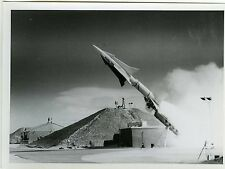 PHOTO Douglas Aircraft Compagny des missiles nike