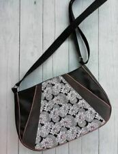women's zipped crossbody bag