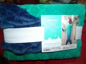 Pillowfort Ombre Mermaid Tail Wearable Blanket 66x50 in OEKO-TEX, Green/Blue