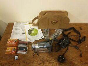 JVC Mini-DV Digital Camcorder Silver GR-D60EK LCD 16x Zoom Nightscope 248518