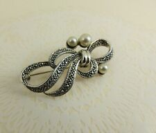 NEW Beautiful Sterling Silver Marcasite and Pearl Brooch 4.5cm