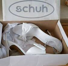 NEW Schuh white sandals with a bow size 7 / 40