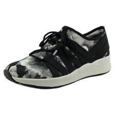 Zapatillas deportivas de mujer de tacón bajo (menos de 2,5 cm) de color principal negro de lona
