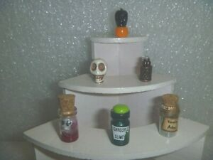 Miniature Set 6 Decorations To Add Or Help Make Your Halloween Display Set H-4