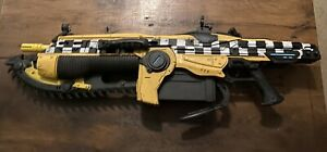 NECA Gears Of War Judgement Car No.13 TAXI LANCER Full Scale Replica Prop