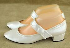 JESSICA SIMPSON Womens Off White Chunky Heel BENGIE Mary Janes/Shoes ~ Sz 5 M