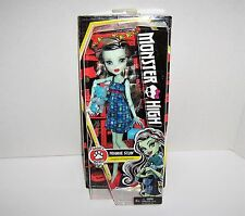 Monster High Frankie Stein wth Pet Teddy Bear - Ghoul's Beast Pet - NEW IN BOX