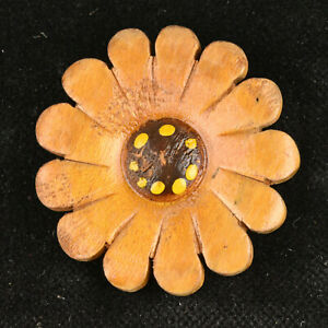 """VTG Wood Realistic Sewing Button Painted Carved Sunflower Daisy Flower 1.5"""""""