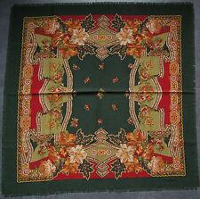 foulard en laine PIERRE CARDIN 84 cm x 84 cm VINTAGE