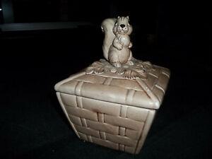 VINTAGE NORCREST CERAMIC SQUIRREL ON BASKET COVERED BOX