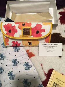 NWT Dooney & Bourke Blooms Yellow Continental Clutch Wallet 🌻NWT
