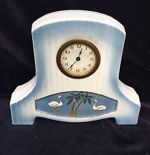 Art Deco Uhr Porzellan Schwänen und Palmen, Uhrwerk reparaturbedürftig