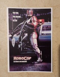 carte postale cinéma film Robocop Peter Waller