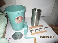 vintage Maid of Honor hand crank 4 qt ice cream maker