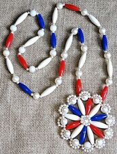VINTAGE PATRIOTIC RED WHITE AND BLUE LUCITE FLOWER NECKLACE