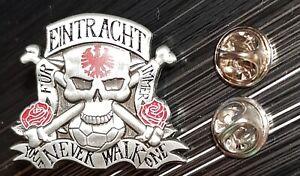 Eintracht Frankfurt SGE Pin You never walk alone 2019 - Maße 35x31mm