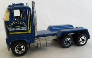 Vintage 1981 Hot Wheels Sunset Trucking Crate Truck (no crate)