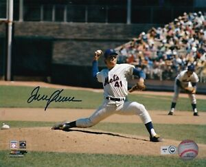 TOM SEAVER  NEW YORK METS   MLB AUTHENTICATED  ACTION SIGNED 8x10