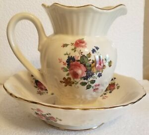 VINTAGE MARYLEIGH PITCHER & BOWL FLORAL PATTERN GOLD TRIM