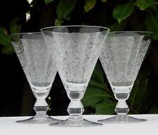 Vallerysthal - Lot de 3 verres à vin en verre cristallin gravé. Début Xxe s.