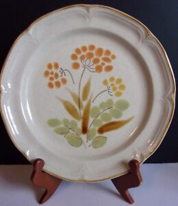 """Hearthside The Classic Somerset   10 1/2"""" DINNER PLATE   Stoneware  JAPAN"""