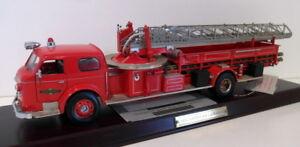Franklin Mint 1/32 Scale diecast - R21TF73 America La France Fire engine