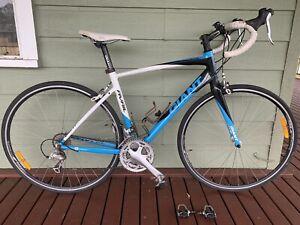 Giant Road Bikes Avail ALUXX SL6000 series