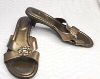 Lindsay Phillips Womens Size 9 Gold Snap Heel Rhinestone Flowers Slip On Sandals