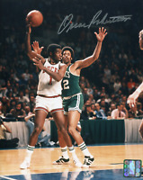 Oscar Robertson Milwaukee Bucks Autographed 8x10 Photo