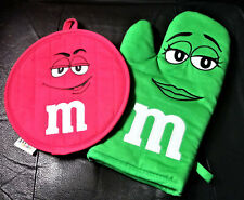 M&M's World Green Pot Holder & Red Oven Mitt