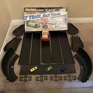 Hot Wheels Sizzlers Fat Track GIANT O RACE TRACK Set Complete w/3 Cars & Charger