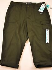 women's Lee relaxed fit olive green capris size 10 petite MSRP $48 cotton mix