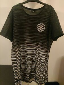 SCAR TISSUE TRENDY MENS XL T SHIRT EXTRA LARGE EMBROIDERED LOGO RAISED PATTERN